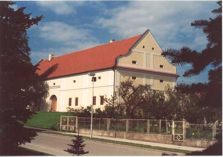 Lichtenštejnský dvůr-foto 2002