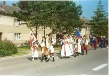 Průvod obcí-oslavy 750 let a svěcení obecních symbolů